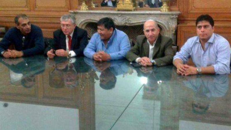 Petroleros: Sigue trabada la negociación con las operadoras