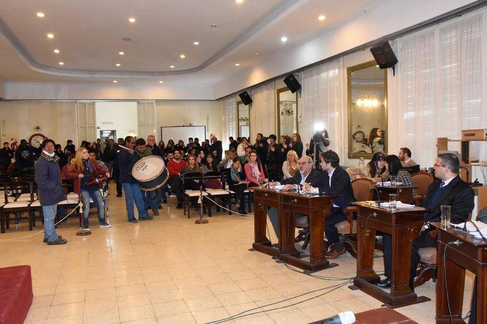 El CD autorizó a Altolaguirre a reasignar fondos para pagar el medio aguinaldo
