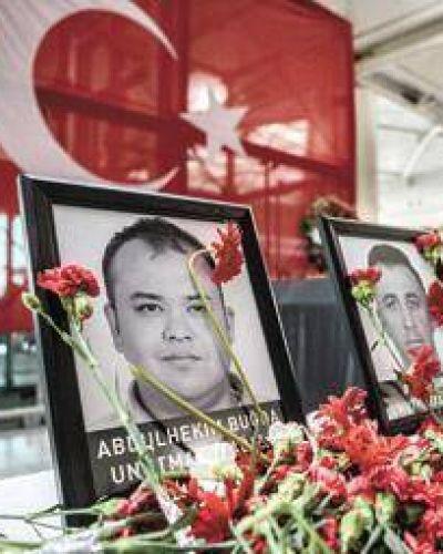 Ola de detenciones por el atentado en Turquía
