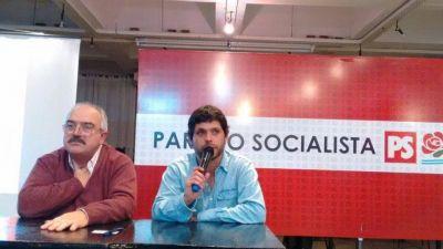 Fuertes críticas al gobierno de Arroyo, en asunción de autoridades del Partido Socialista