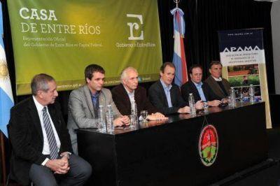 Bordet anunció que se realizará en septiembre en Concordia y Salto, el Congreso Mundial del Arándano