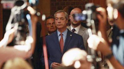 Renunció el líder xenófobo británico Nigel Farage