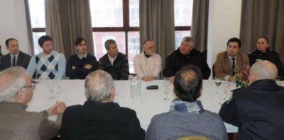 Jefes de la Policía se reunieron con autoridades y comerciantes en la UCIP