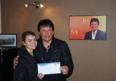 """La Fundación """"Juan Curuchet"""" ya lleva entregados un millón cien mil pesos en becas y subsidios en el 2016"""