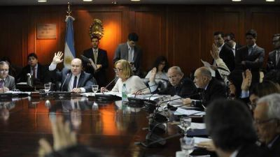 El Gobierno quiere �oxigenar� Comodoro Py antes de fin de a�o