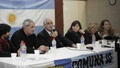 Taiana se sumó al debate político en la Cátedra Aldo Ferrer
