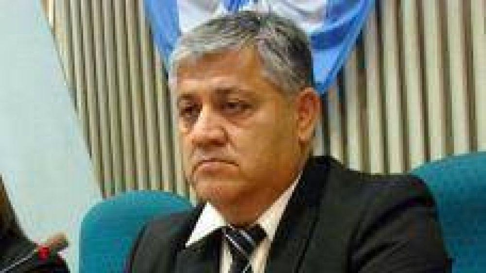 Diputado Santi dice que Costa y gremios opositores buscan el golpe institucional en Santa Cruz