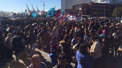 Sin vigilia ni movilización, militantes se acercan a Comodoro Py para