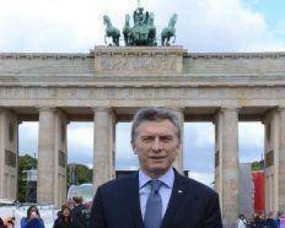 Macri pase� con turistas argentinos por Berl�n