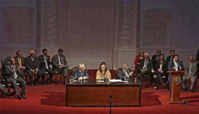 La Asamblea por el Bicentenario, marcada por las ausencias del FPV