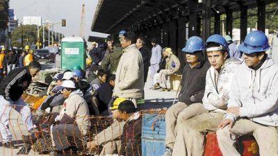 Entre octubre y junio, se acumularon 70.000 despidos en la construcción