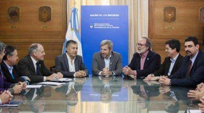 Cornejo firm� un acuerdo con la Naci�n por 120 millones de pesos para obras de agua y saneamiento