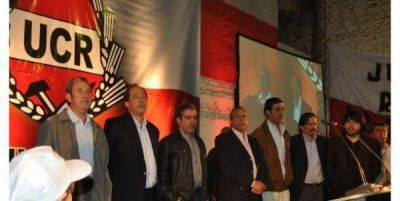 Radicales en Tucum�n acuerdan alianzas pol�ticas