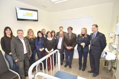 Bertone inauguró una sala de internación pediátrica del Hospital Río Grande