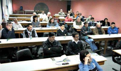 Funcionarios regionales asistieron a una capacitación de ingeniería municipal