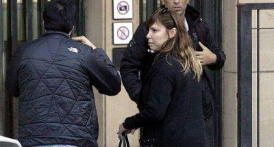 Al igual que su familia, otra hija de Báez presentó un escrito y negó cuentas en el exterior