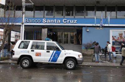 Congelan las cuentas de Cristina Kirchner y ordenan peritar los números de Hotesur