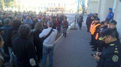 Fuerte protesta y marcha en Junín contra el tarifazo en el gas