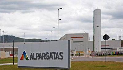 Alpargatas despidió a 48 empleados y suspendería a otros 360 trabajadores