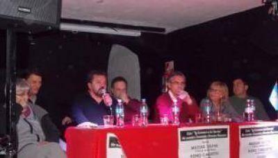 """Carlotto llamó a """"reconstruir el peronismo para volver al gobierno"""""""