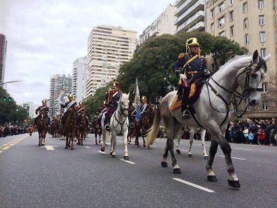Cerraron ayer los festejos por el Bicentenario, con multitudinario desfile y show de bandas de m�sica