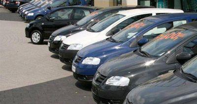 Venta de autos usados cayó 29,92% en junio
