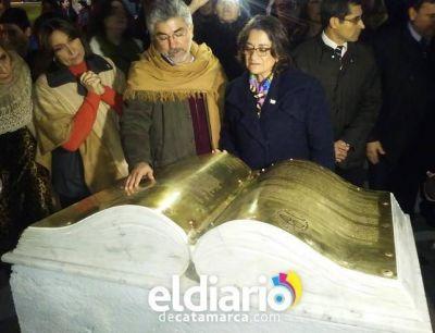 Lucia Corpacci inauguró el monumento a la Independencia