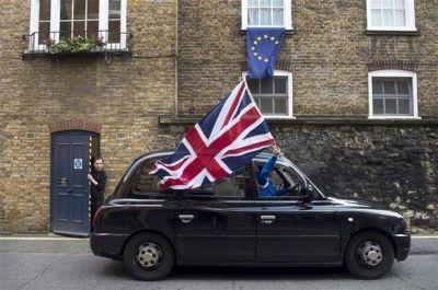 Un nuevo intento por frenar el Brexit: ahora aseguran que el referéndum no alcanza