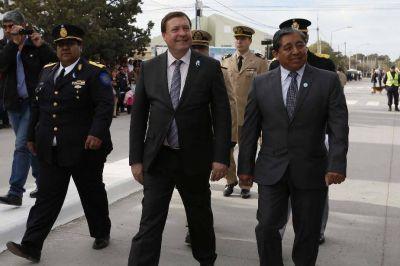 Weretilneck presidió junto al intendente Ojeda los actos del aniversario de San Antonio