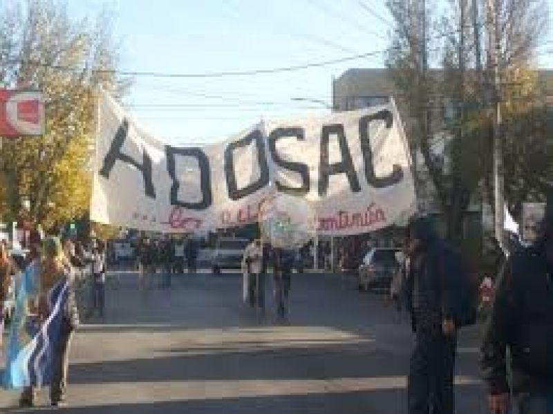ADOSAC continuar� con la retenci�n de servicios