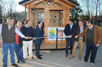 El Municipio present� la Oficina M�vil de Turismo en la Plaza Principal
