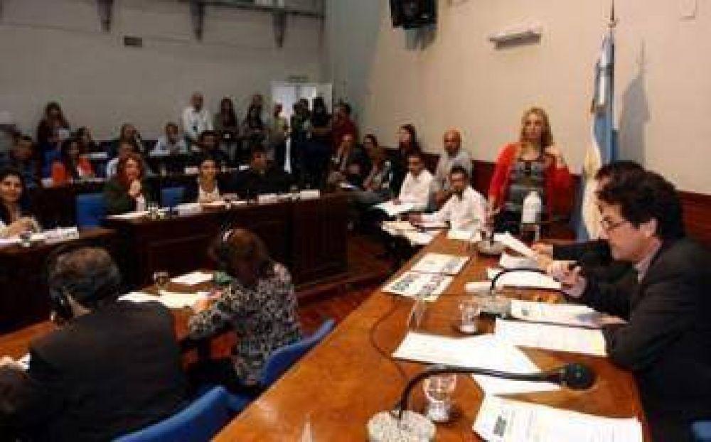 El PRO va por Barrueco y sospecha de la moral de las instituciones de Avellaneda que avalan a Garibaldi