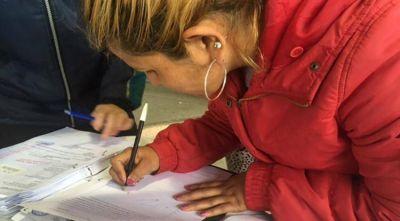 En el barrio Alejandro Heredia 28 familias recibieron sus escrituras