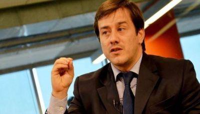 Recalde: �Los porte�os la est�n pasando mal por culpa de Macri�