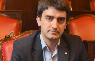 El senador Albisu recogió el guante que tiró Fernández y redobló la apuesta en infraestructura escolar