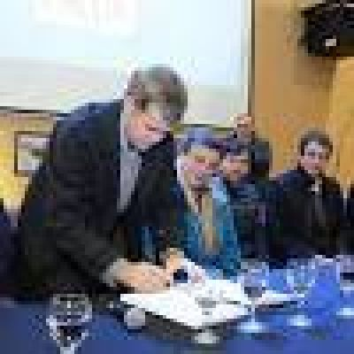 La ciudad firma el Pacto de San Antonio de Padua