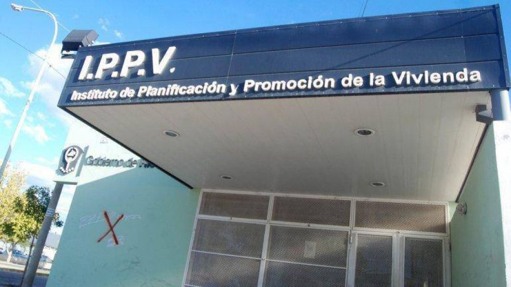 Docentes cipoleños reclaman al IPPV por sus viviendas en el DVN