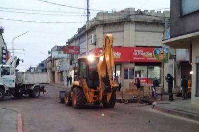 Pavimento: se realiza bacheo en calle Alberdi