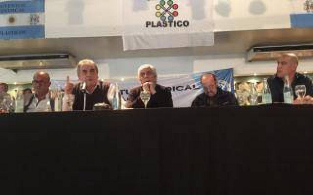 Moyano le advierte a Macri:
