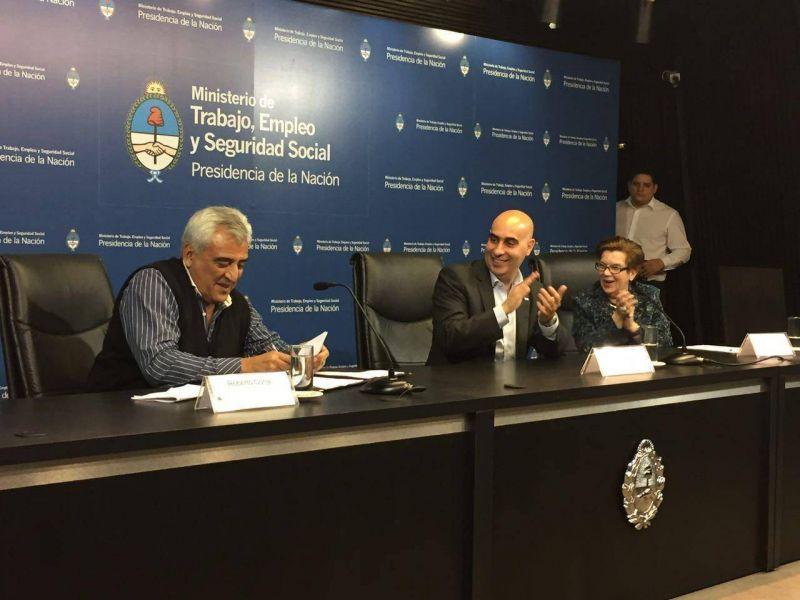 Ministerio de Trabajo y Guincheros firmaron convenio de Formación Sindical