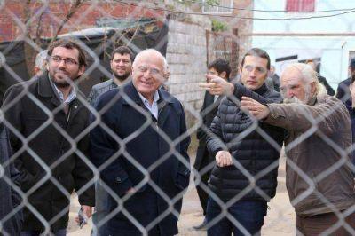 Lifschitz y Corsalini anunciaron cloacas y pavimentación en el barrio Cabín 9