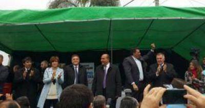 El gobernador Juan Manzur inaugur� obras en Las Talitas