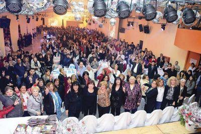 """Linares: """"Las mujeres son nuestro orgullo y corazón del partido"""""""