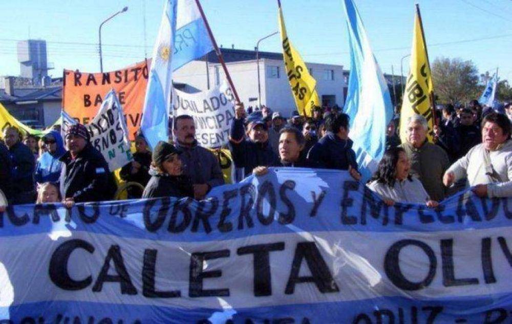Mañana comienzan a pagar a los municipales de Caleta