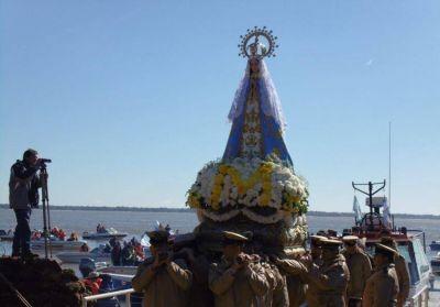 Multitudinaria fiesta por los 116 a�os de la coronaci�n de la imagen de la Virgen de Itat�