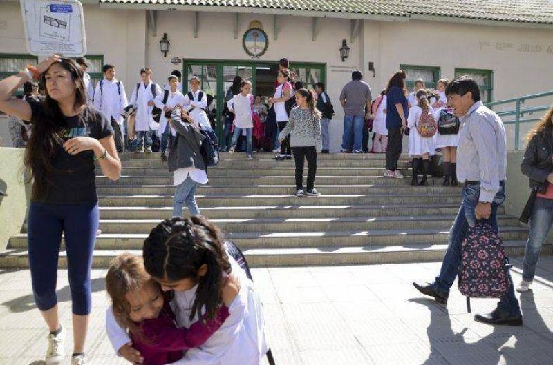 A una semana del reinicio del ciclo lectivo, ATECh ratificó el paro