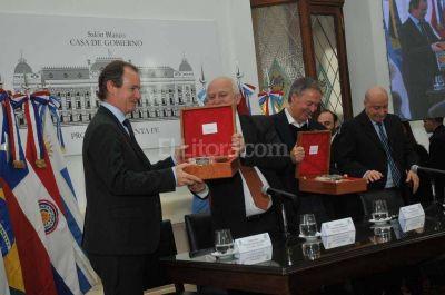 Hidrov�a: para gobernadores de la Regi�n Centro es vital y estrat�gica