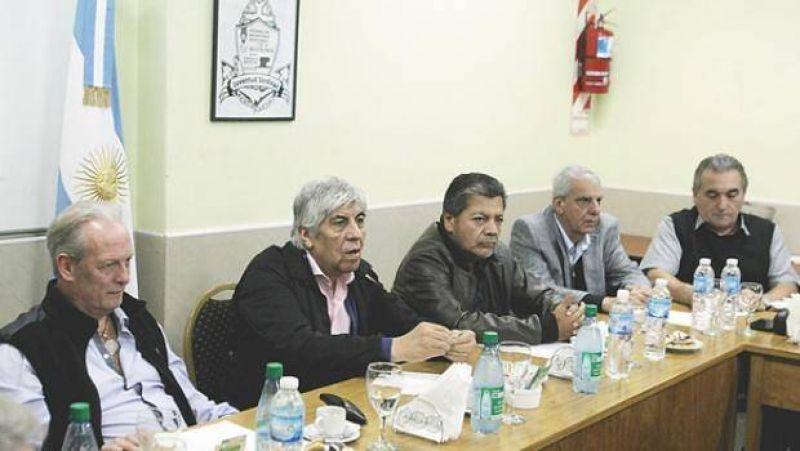 Gremios piden a Macri activar reparto de $ 30.000 millones a obras sociales