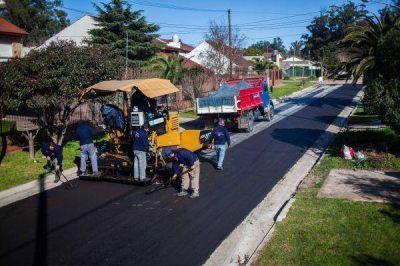 En Colinas de Peralta Ramos, iniciaron obras de asfalto de calles adeudadas
