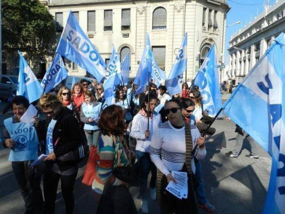 Paritarias docentes: Sadop pretende una suba en el doble cargo